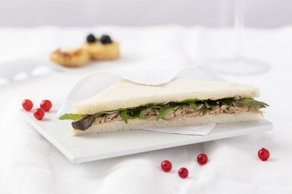 Sandwich tonno con lattuga